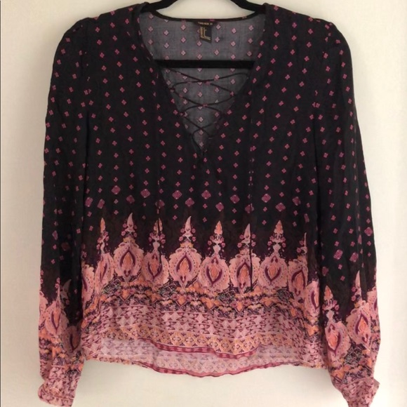 Forever 21 Tops - Forever 21 Lace Up Boho Peasant Top